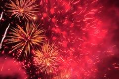 Feuerwerke im Abendhimmel Stockfotografie