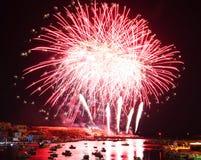 Feuerwerke im Hafen von Lampedusa Stockfoto