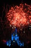 Feuerwerke im magischen Königreich Stockfotografie