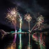 Feuerwerke in Island Lizenzfreie Stockfotos