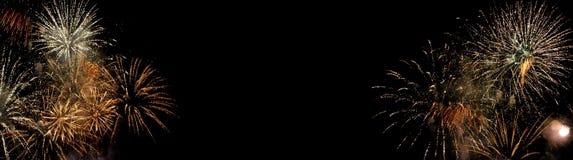Feuerwerke lokalisiert auf schwarzem Hintergrund lizenzfreies stockfoto