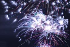 Feuerwerke nachts Lizenzfreies Stockbild