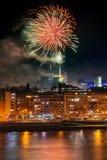 Feuerwerke in Novi Sad, Serbien Neues Jahr ` s Feuerwerke stockfotos