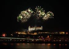 Feuerwerke ovet das Schloss Stockbild