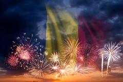 Feuerwerke und Flagge von Tschad lizenzfreie stockfotografie