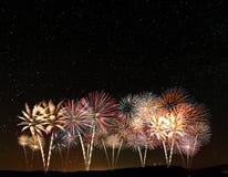 Feuerwerke unter dem Himmel Stockfoto