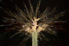 Feuerwerke von einem Weihnachtsbaum Stockbilder