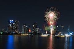 Feuerwerksanzeige für Feier Stockfotografie