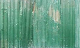 Feuillard en acier galvanisé ondulé de fer de couleur verte avec le RU images stock