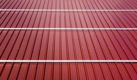 Feuillards ondulés de toit Types modernes de matériaux de toiture Photos stock