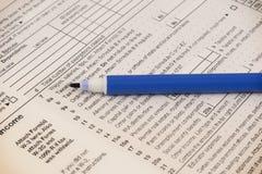 feuille d'impôt 2018 1040 et stylo Photos stock