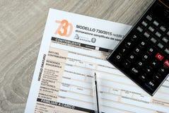 Feuille d'impôt de l'Italien 730, édition 2015 images libres de droits