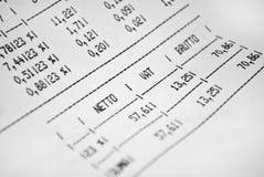 Feuille de facture avec des prix et l'impôt Images libres de droits