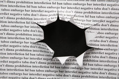Feuille de papier avec le trou coupé Photos libres de droits