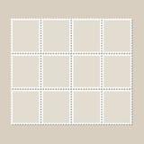 Feuille ininterrompue de vintage de douze timbres-poste Ensemble de timbres sur un fond clair avec une ombre Photo stock