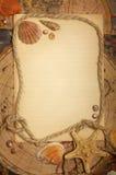 Feuille, seashells et corde vides sur des cartes photographie stock libre de droits