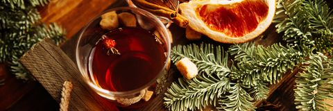 Feuilles d'automne confortables de chauffage d'écharpe de boissons de citron de thé chaud de miel image stock