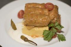 Feuilles de chou bourré avec le polenta Photos libres de droits