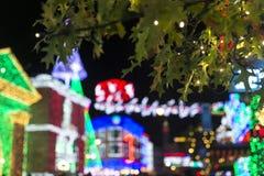 Feuilles de Noël avec le fond de bokeh Image libre de droits
