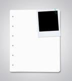 Feuilles de papier avec la photo instantanée blanc Photographie stock
