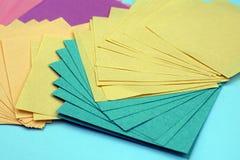 feuilles de papier colorées photographie stock libre de droits