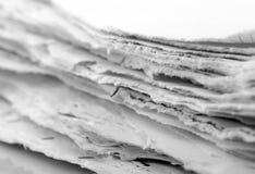Feuilles de papier en lambeaux Photographie stock libre de droits