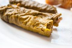 Feuilles de raisin bourré (Dolma) Cuisine de turc et de grec Photo stock
