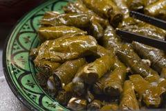 Feuilles de raisin bourré ou petit pain de feuille de vigne photo stock