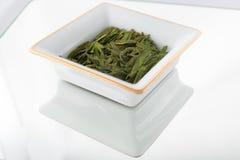 Feuilles de thé vertes lâches Photographie stock