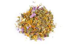 Feuilles de thé de fines herbes sèches Photographie stock