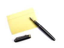 Feuillet et crayon lecteur photographie stock libre de droits