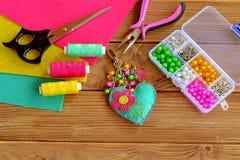 Feutre fait main de keychain embelli avec des perles Photos stock