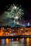 Feux d'artifice à Novi Sad, Serbie Feux d'artifice du ` s de nouvelle année image libre de droits