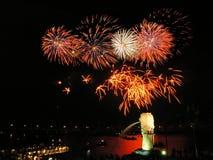 Feux d'artifice à Singapour Merlion Photographie stock