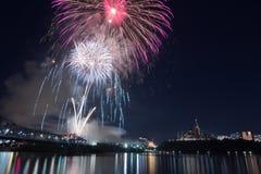 Feux d'artifice au-dessus d'Ottawa Photographie stock libre de droits