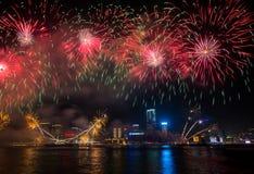 Feux d'artifice chinois de nouvelle année dans Hong_Kong photographie stock