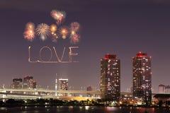 Feux d'artifice d'étincelle d'amour célébrant au-dessus d'Odaiba Japon Photo libre de droits
