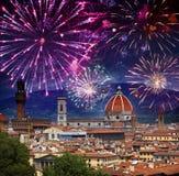 Feux d'artifice de célébration plus de Cathédrale Santa Maria del Fiore l'Italie Florence photo libre de droits