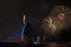 Feux d'artifice de Dubaï pour le jour national Photographie stock libre de droits