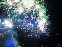 Feux d'artifice de feu d'artifice - photos courantes photos libres de droits