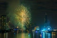 Feux d'artifice de nouvelle année à Bangkok, Thaïlande Photographie stock libre de droits