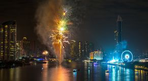 Feux d'artifice de nouvelle année à Bangkok, Thaïlande Photo libre de droits
