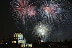 Feux d'artifice de nouvelle année au-dessus de Prague, République Tchèque Photographie stock