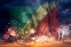 Feux d'artifice et drapeau de la République du Congo photos stock