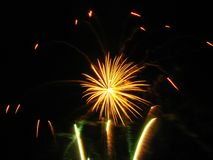 Feux d'artifice jaunes Image stock