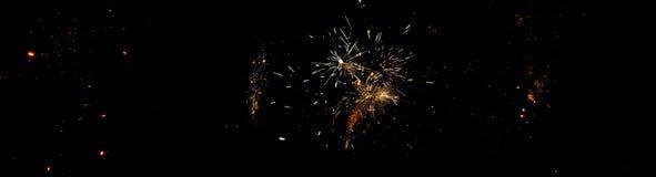 Feux d'artifice la nuit de Guy Fawkes au Nouvelle-Zélande Images stock