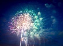 Feux d'artifice le Jour de la Déclaration d'Indépendance aux Etats-Unis Photos stock