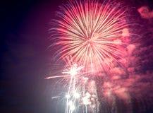 Feux d'artifice le Jour de la Déclaration d'Indépendance aux Etats-Unis Photo libre de droits