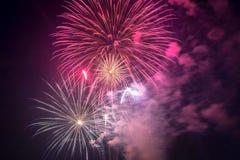 Feux d'artifice le Jour de la Déclaration d'Indépendance aux Etats-Unis Image stock