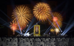 Feux d'artifice majestueux dans HuaHin (21 décembre 2013) Photo stock